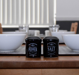 Picture Of Salt & Pepper & Bowls