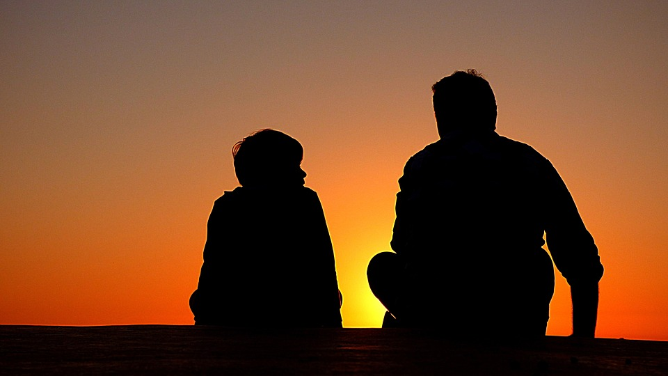silhouettes-of-a-man-and-his-child